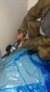 お風呂壁面サビ修理1